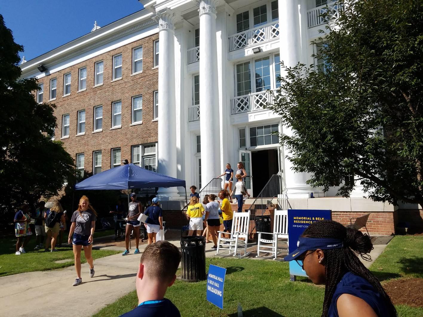 Move in Davidson Hall